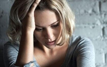 Denna kvinna är orolig för abstinensbesvär från antidepressiva läkemedel