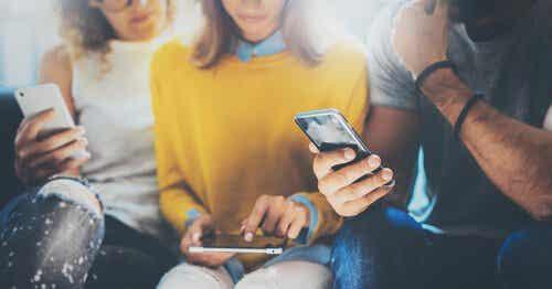 Blir vi dumma av smarta mobiler?