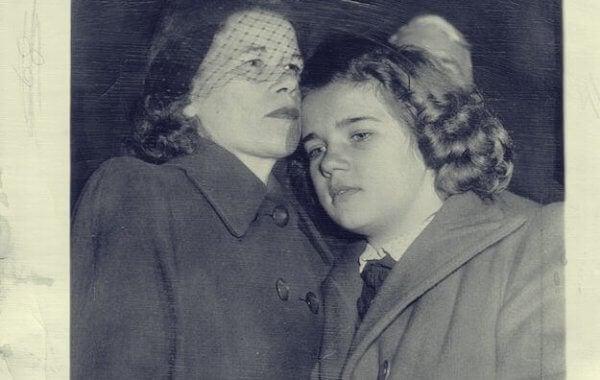 Sally med sin mamma