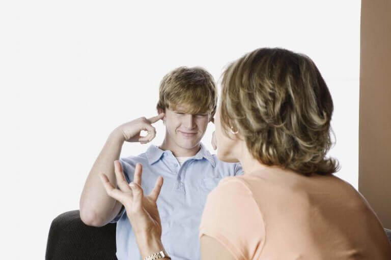Son som inte lyssnar på sin mamma.