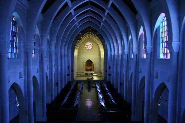 Tom kyrka