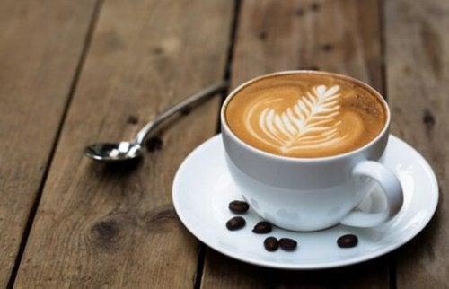 Lukten av kaffe förbättrar de kognitiva funktionerna