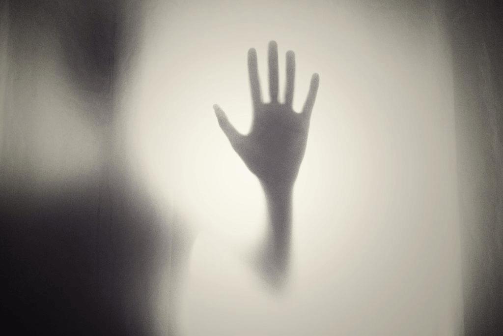 De psykologiska effekterna av övergrepp i ens hem
