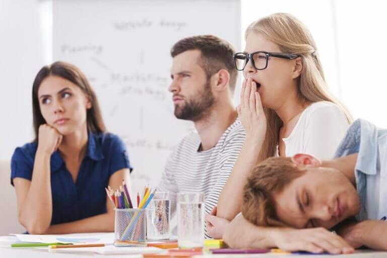 Hur omotiverad närvaro påverkar arbetslivet