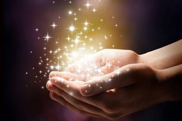 Stjärnor i händerna.