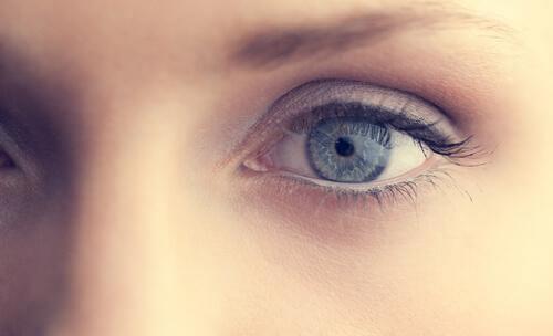 Närbild av öga