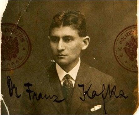 Gammalt foto av Kafka.