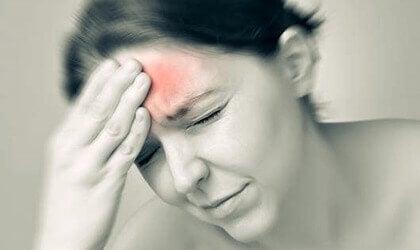 Migrän och dopamin: en smärtsam relation