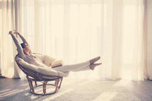 En minimalistisk livsstil: hur man lever mer med mindre