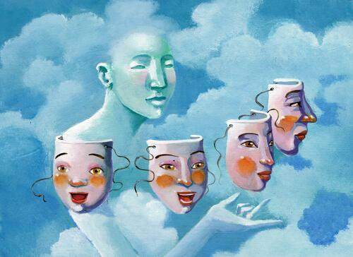 Person med olika masker.