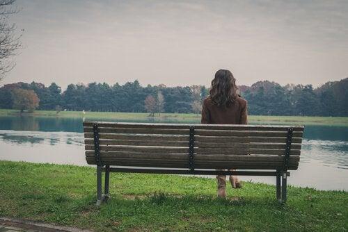 De negativa effekterna av för mycket ensamtid