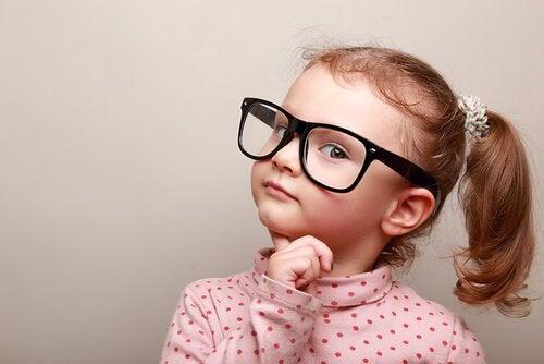 Hur gör barn moraliska bedömningar?