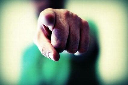 Person som pekar.