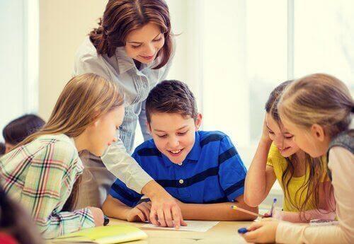 Elever med lärare