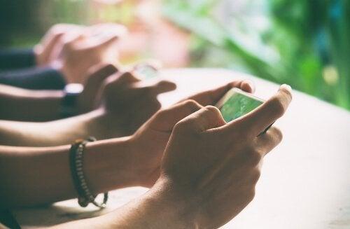 Digital detox: sammankoppla med den verkliga världen