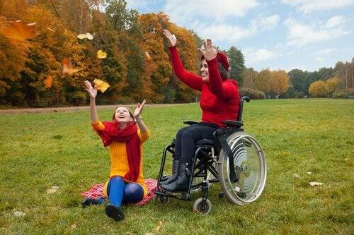kvinna i rullstorl- om funktionell mångfald