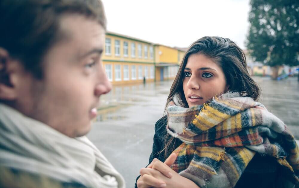 Diskuterande personer