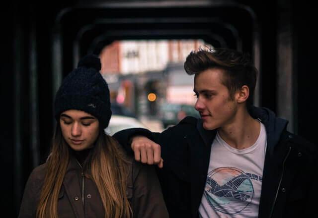 Ett ungt par.