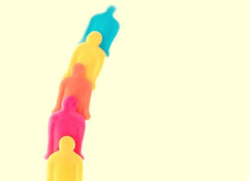 Figurer som symboliserar en hierarki.