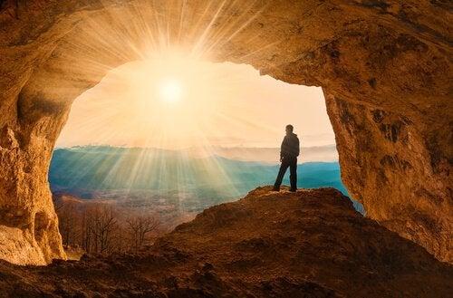 man i grotta