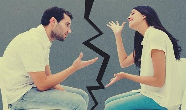 Man och kvinna som grälar.