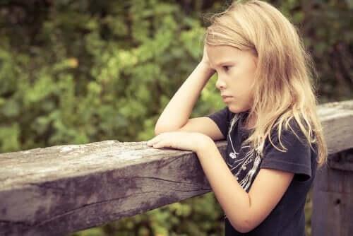 Giftig stress och utvecklingen av barns hjärnor
