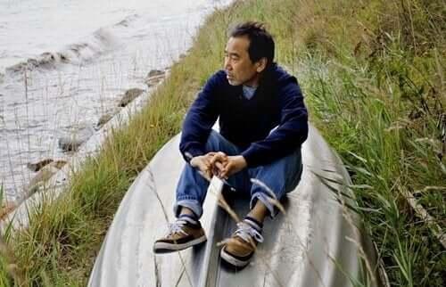Murakami vid havet.