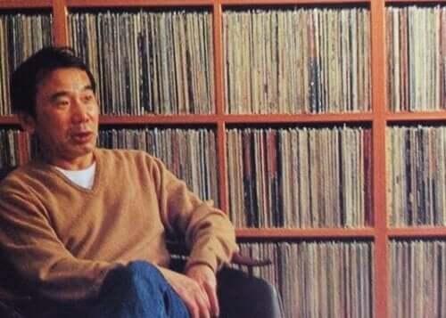 Murakami med vinyl.