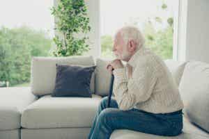 Slavsyndrom hos äldre: utnyttjande på ålderns höst