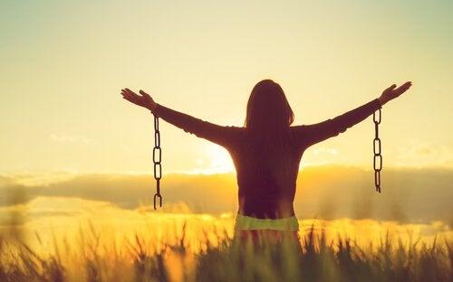 Blir man lyckligare av att acceptera negativa känslor?