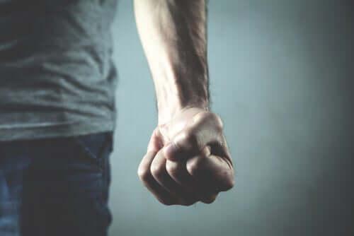 Mänskligt våld: varför vi inte kan utplåna det