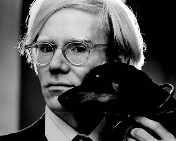 Andy Warhols arv och innehållet i hans tidskapslar