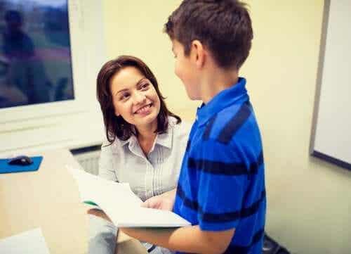 Vad är en studievägledares uppgift i skolan?