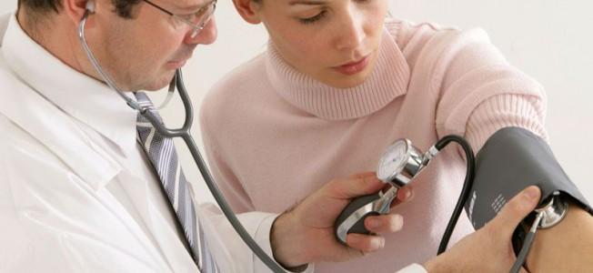 Mätning av blodtrycket.