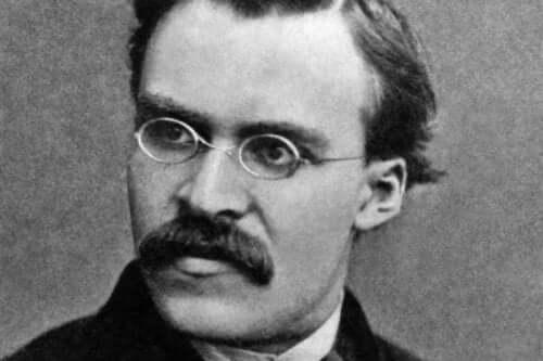 Nietzsche med glasögon.