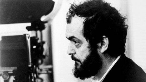 Svartvit bild på Stanley Kubrick.