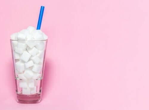 Glas med socker.