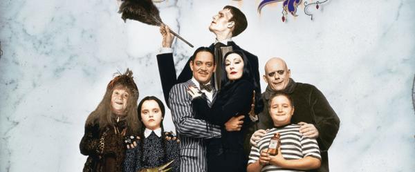 Den ikoniska familjen Addams: Skönhet i det makabra