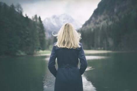 Åk på en resa ensam