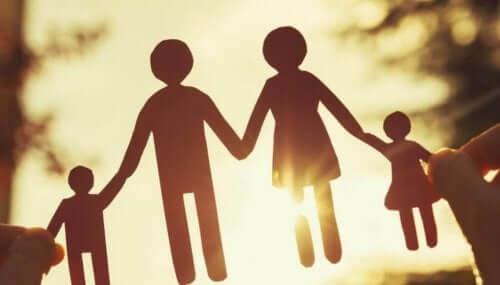 Familj av dockor