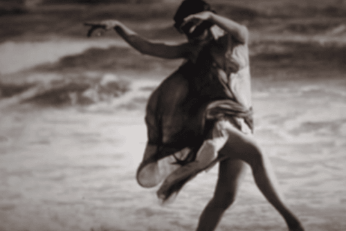 Isadora Duncan dansar vid havet