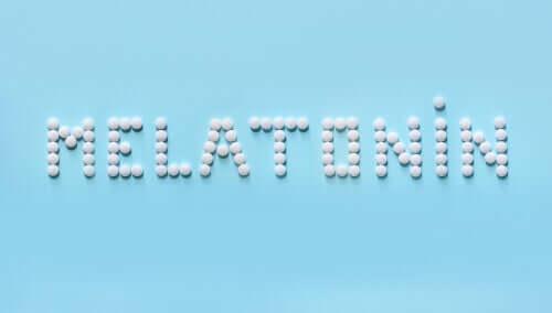 Melatonin är ett hormon som reglerar sömnen