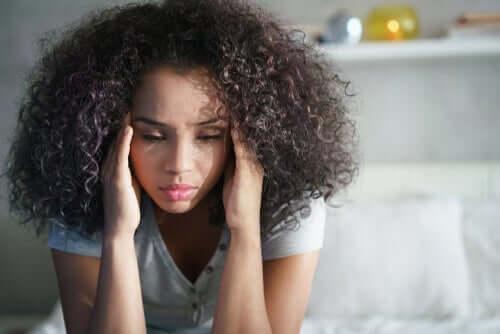 Granntrakasserier kan leda till svår ångest