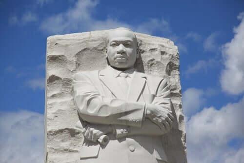 Staty av Luther King.