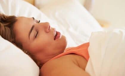 Sömnapné hos kvinnor och dess olika symptom