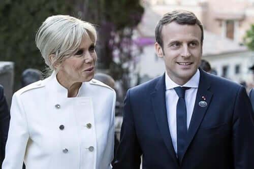 Macron och hans fru.