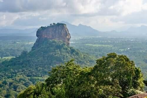 En bild som visar ett naturligt landskap i Sri Lanka.