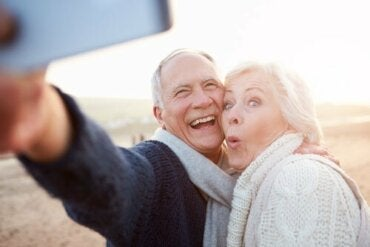 Skillnaden mellan att åldras och att bli gammal