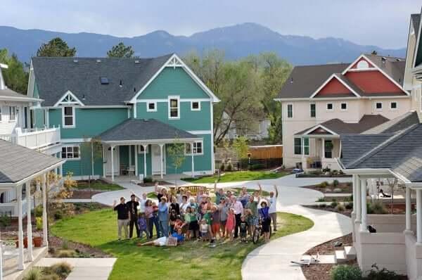 Att bo i kollektivhus: ett alternativt levnadssätt