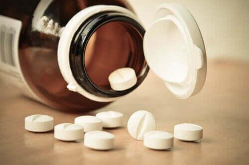 Tabletter i burk.